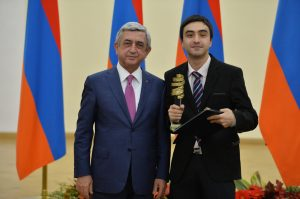Shahen with President Serzh Sargsyan, Presidential Prize Award